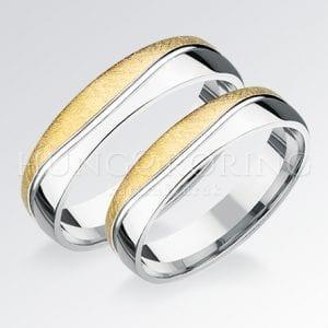 Kő nélküli arany karikagyűrűk